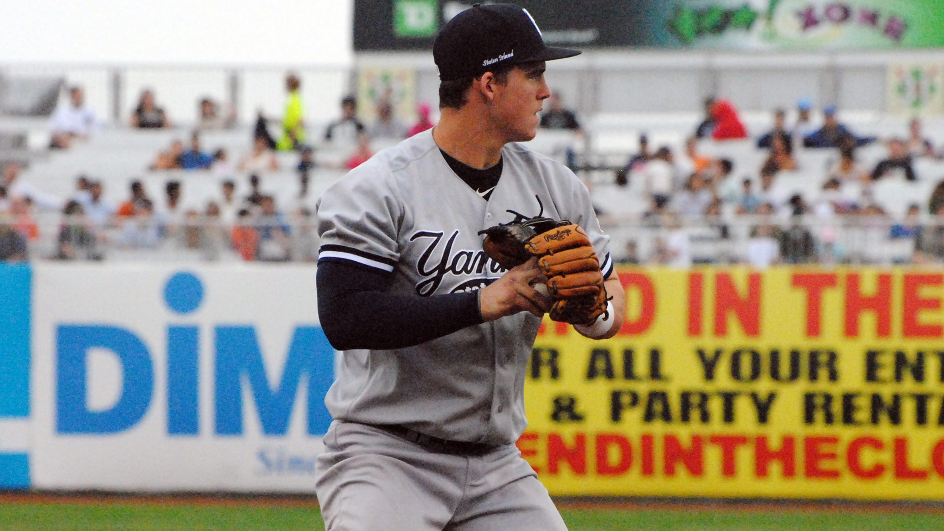 Tyler Austin playing third base for the Staten Island Yankees at MCU Park in 2011 (Robert M. Pimpsner)