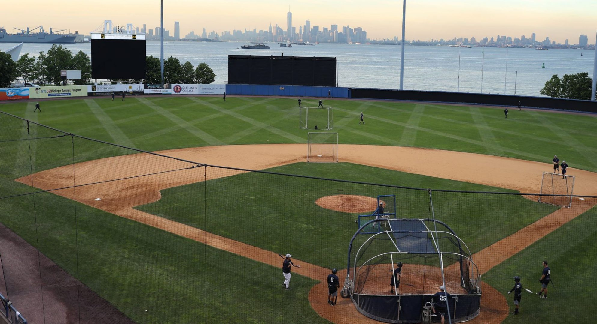 Staten island yankees announce new lower parking rate for for 224 richmond terrace staten island